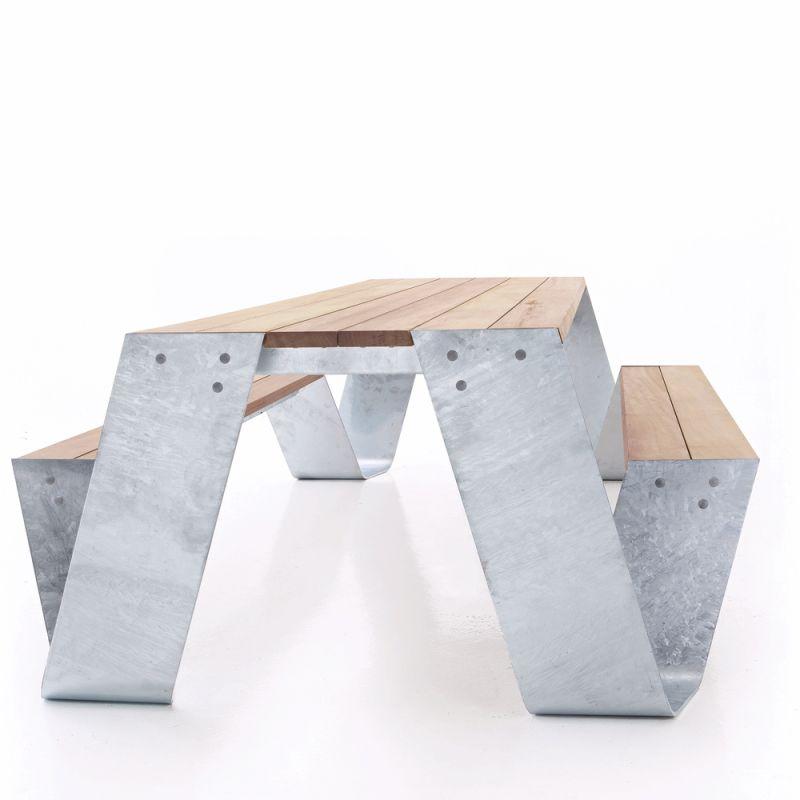 Table pour jardin et terrasse exterieure design hopper for Table exterieur galvanise