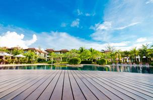 terrasse en plot avec piscine